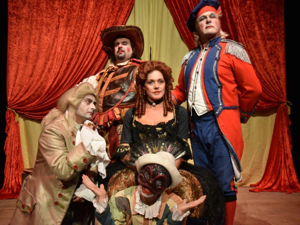 la vedova scaltra spettacolo commedia dell'arte teatro dei pazzi